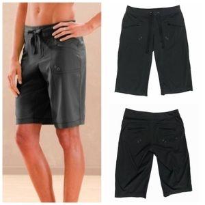 Athleta Breeze Bermuda Walking Shorts Black